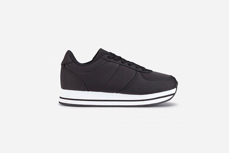 zapatillas-negras-deportivas-marypaz