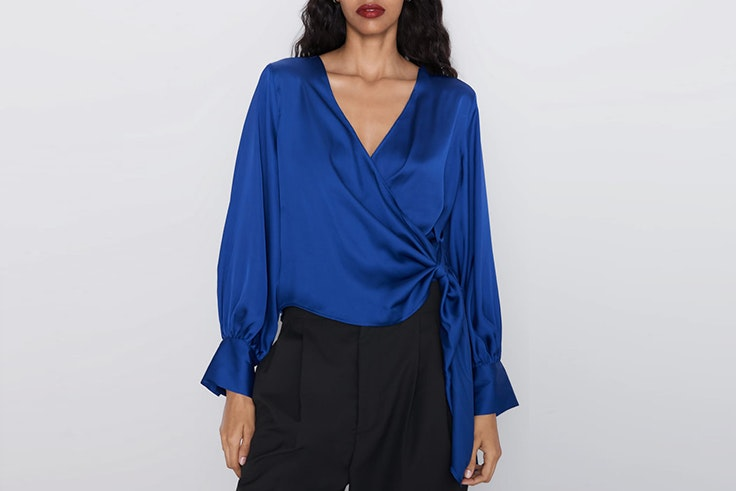blusa satinada zara el estilo de emelie