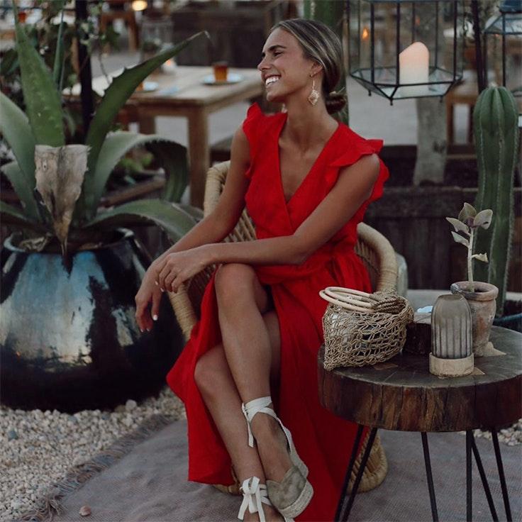 colores de verano influencers vestido rojo lucia barcena
