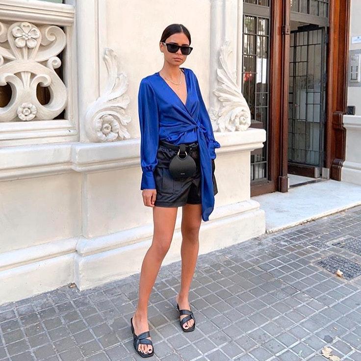 colores de verano blusa azul oscuro emelie estilo