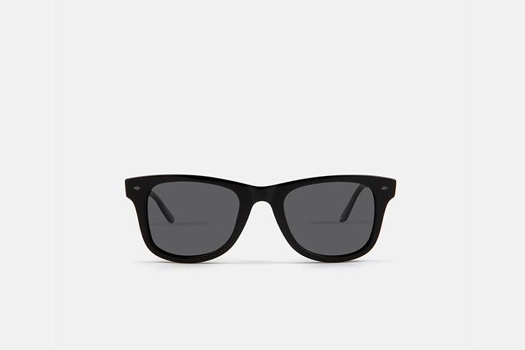 gafas negras multiopticas