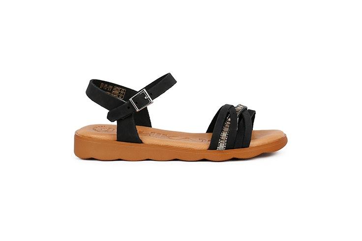 sandalia plana negra chika 10