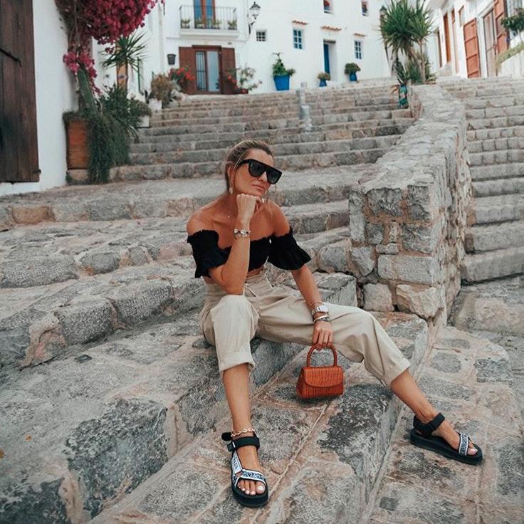 silvia sandalias maleta