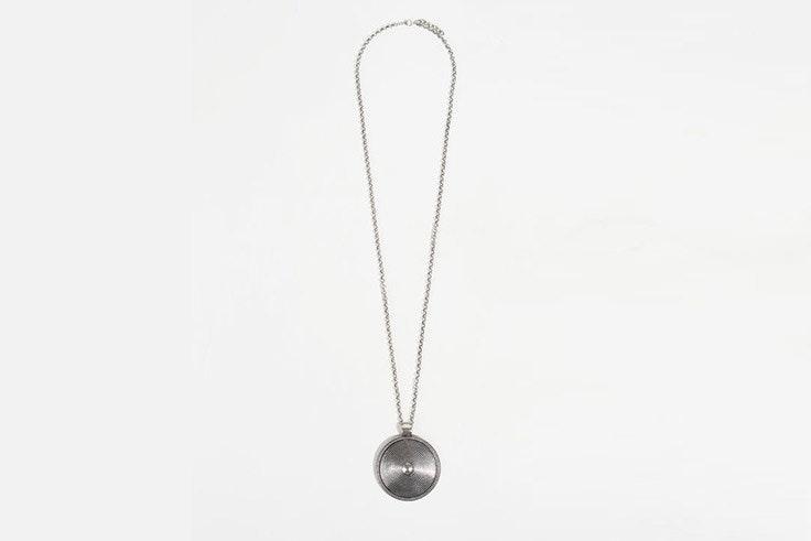 collar plata parfois el estilo de Mayte Gálvez