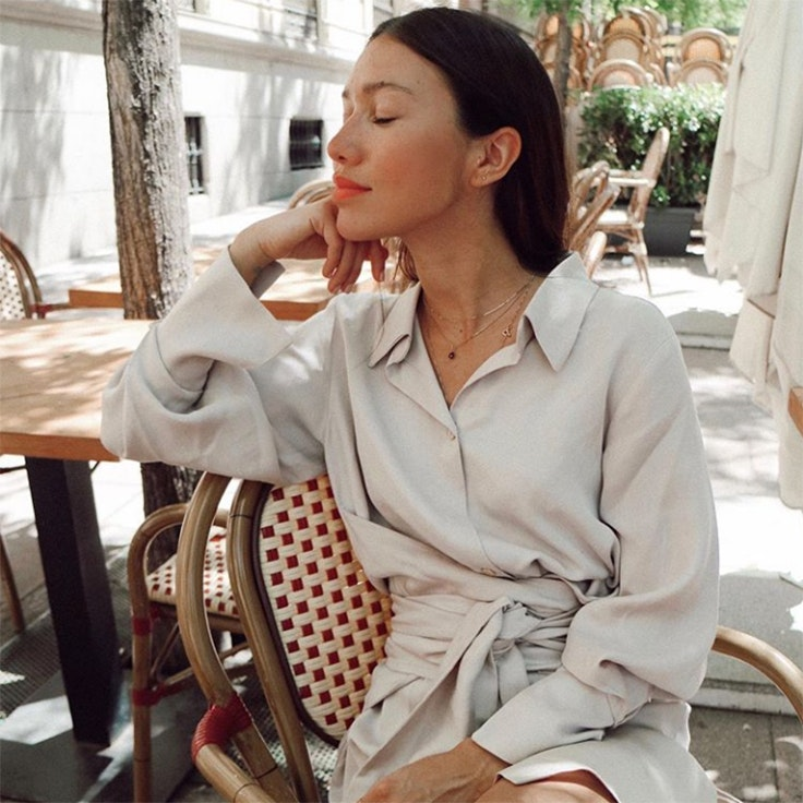 melissa villarreal color beige vestido camisero