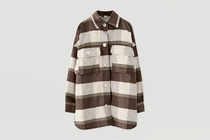 chaqueta marrón cuadros pull and bear
