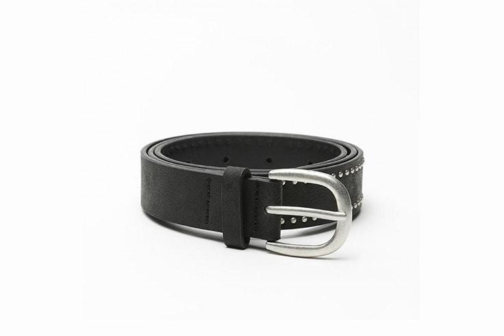 cinturon negro tachuelas misako Rocío Osorno