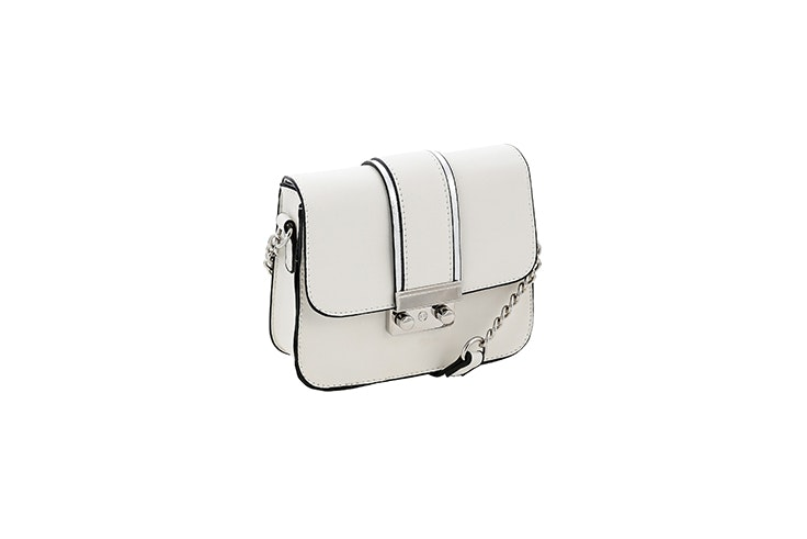 bolso bandolera blanco con cadena plateada de bijou brigitte bolsos de otoño
