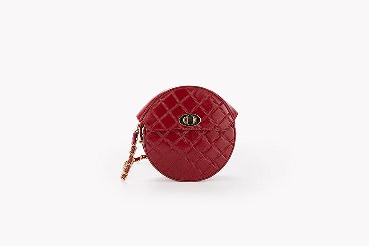 bolso redondo rojo con cadena efecto acolchado paco martinez bolsos de otoño