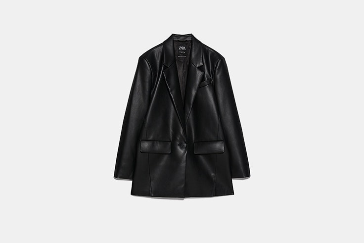 blazer oversize efecto piel de zara total black