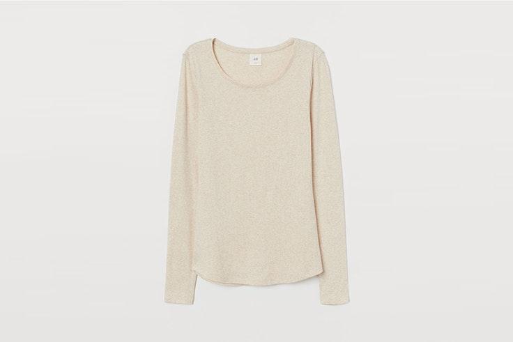 camiseta manga larga color beige de HyM Olga Sicilia