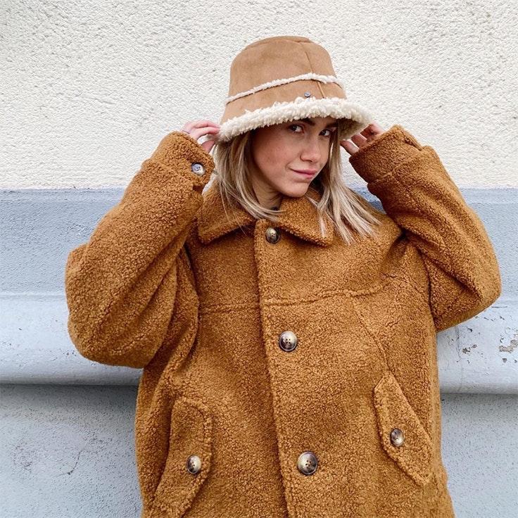 Carlota weber bucket hat estilo tendencias 2020