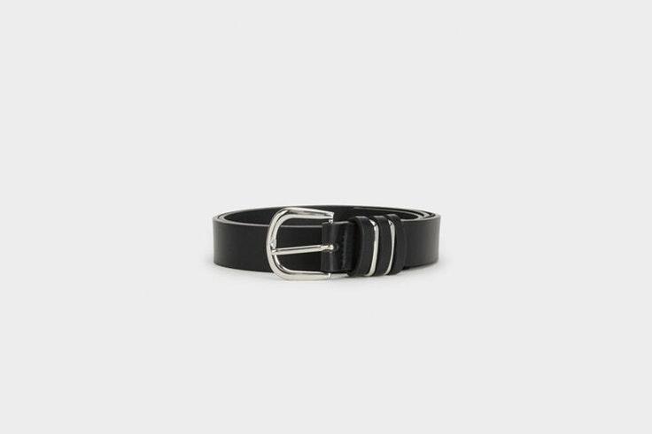 cinturon basico negro con hebilla plateada de parfois Pernille Teisbaek
