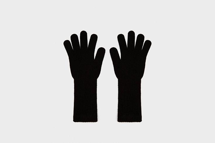 guantes negros largos de Bershka accesorios para el frío