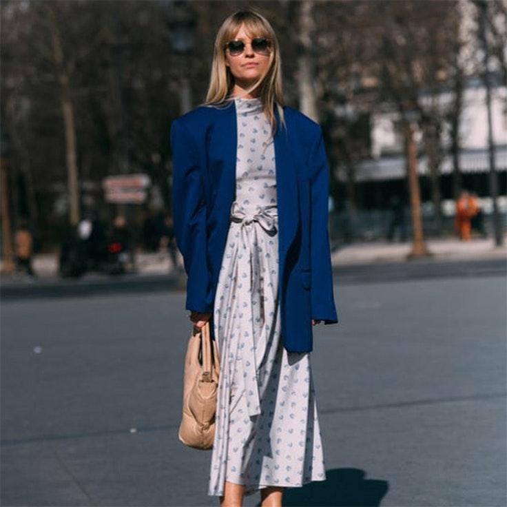 jeanette madsen tendencia 2020 moda color pantone classic blue