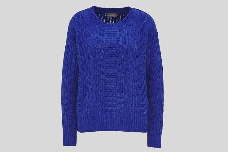 jersey azul color pantone tendencia 2020 moda c and a