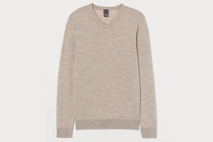 Jersey beige con escote de pico de H&M