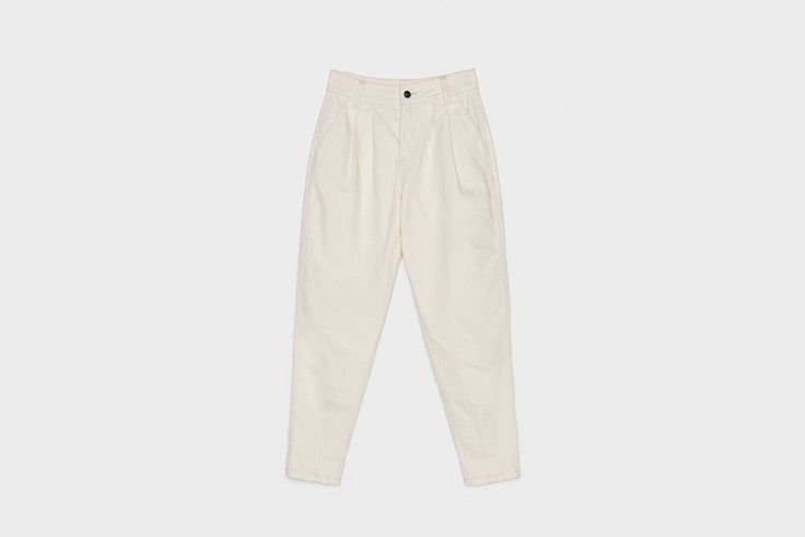 pantalon slouchy color crudo de Bershka Olga Sicilia