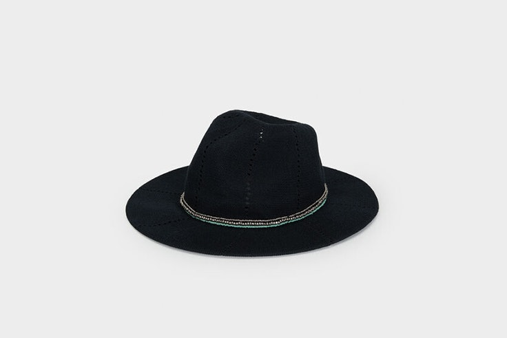 sombrero negro de punto de parfois total black