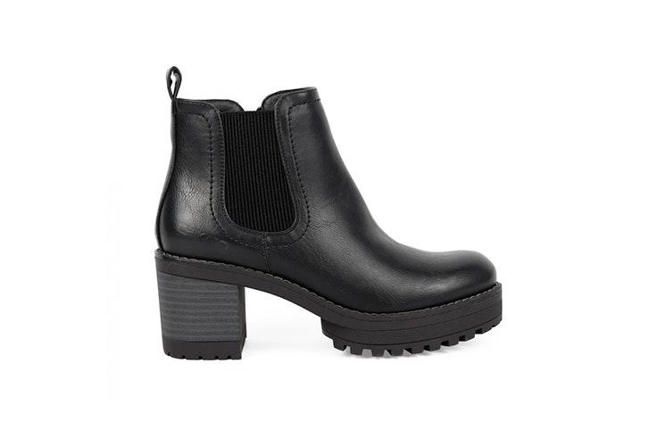 Botines negros con tacón de la zapatería Chika 10