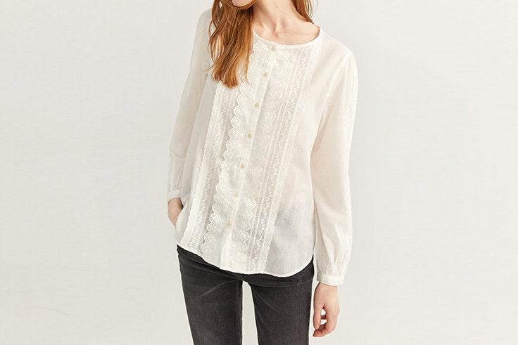 camisa con bordado suizo de Springfield blusas románticas