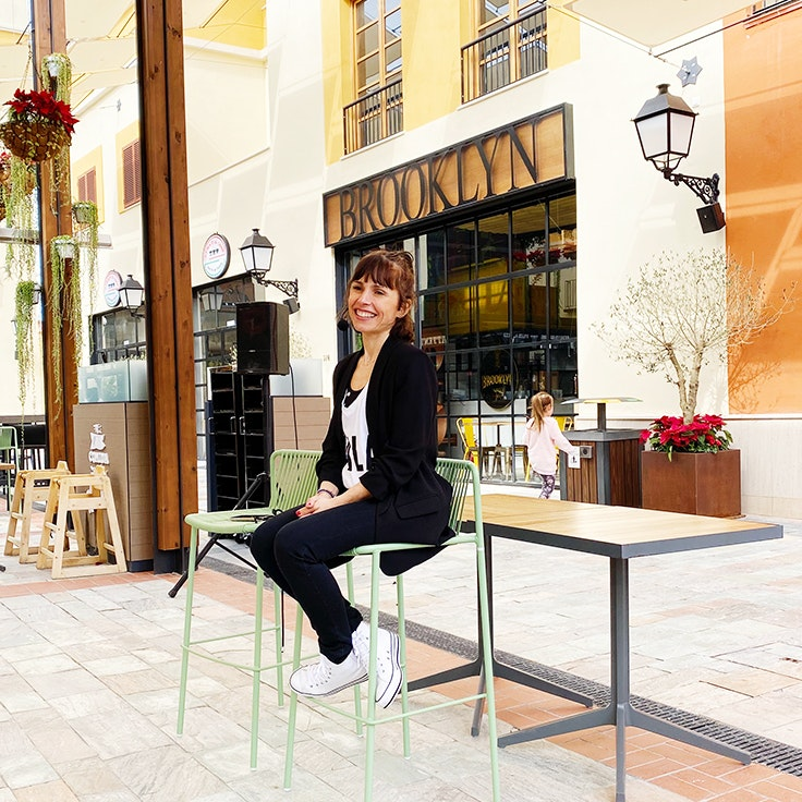 Raquel de MAMIfit en Patio Gourmet de Plaza Mayor