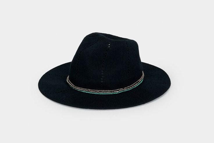 Sombrero en color negro de Parfois