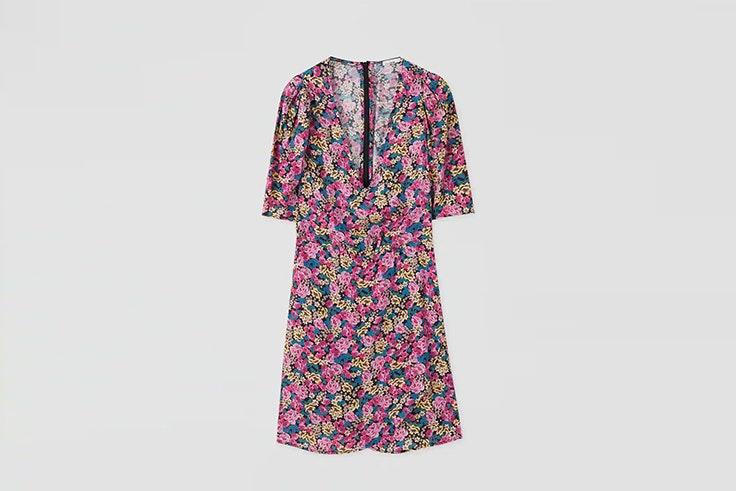 vestido con estampado floral de pull and bear María Fernández Rubíes