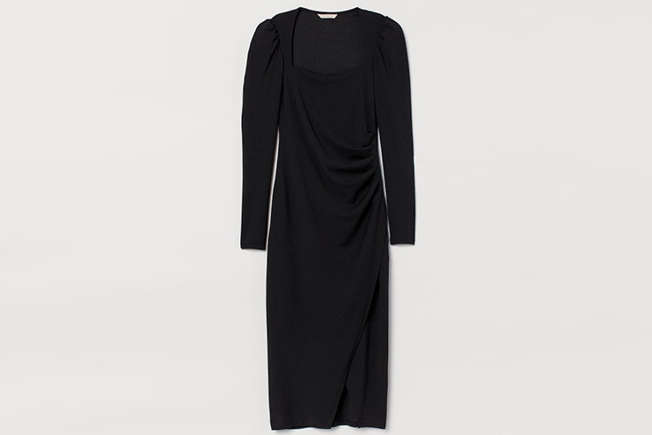 Vestido negro ajustado con detalle de drapeados de H&M