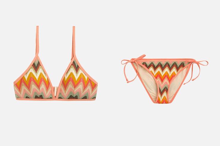 Bikini triangular de crochet con estampado zig zag