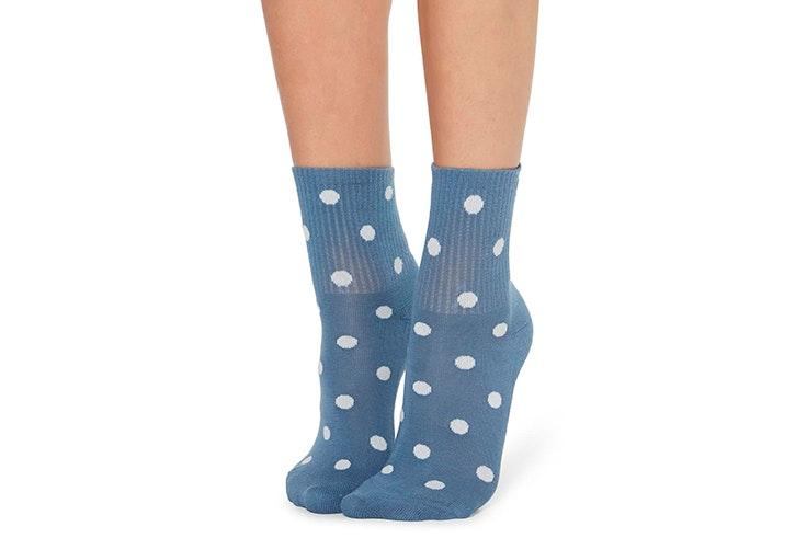 Calcetines azules con lunares de Calzedonia