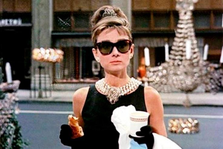 películas para las apasionada moda desayuno con diamantes audrey hepburn
