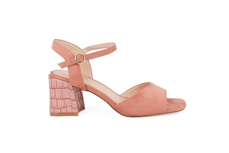 Sandalias rosas con ligero tacón de Chika 10