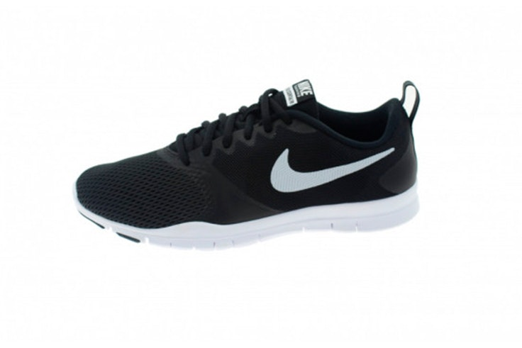 Zapatillas negras de Nike. Disponibles en Oteros