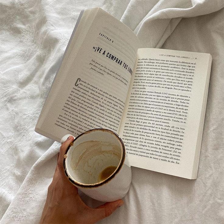 planes de las influencers para la cuarentena influencers melissa villarreal leer un libro