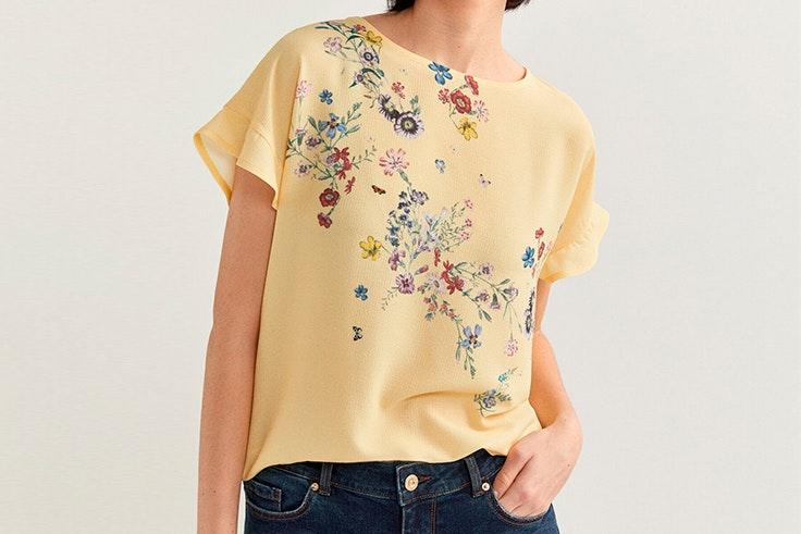 Blusa amarilla con estampado de flores de Springfield