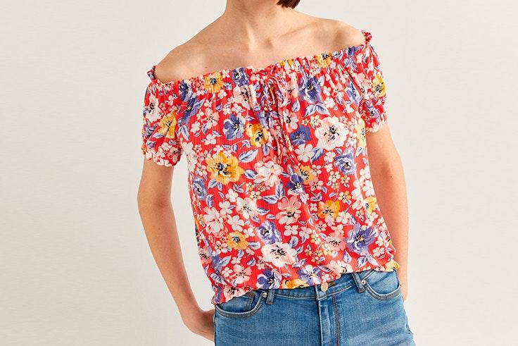 estampados de tendencia Blusa de flores de Springfield