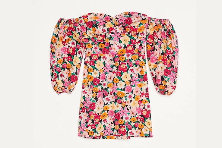 estampados de tendencia Vestido de flores con escote bardot de Bershka