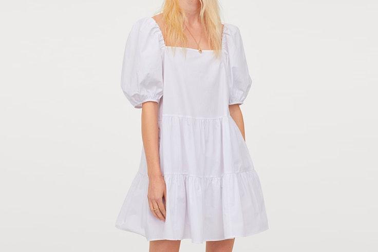 vestidos blancos tendencia hm Vestido blanco corto con fruncido escalonado
