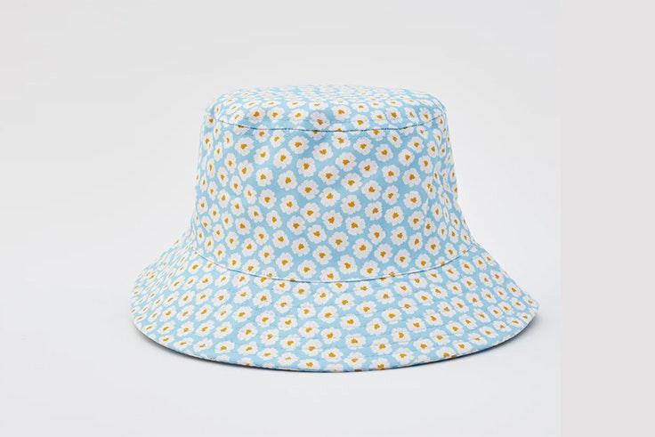 Bucket hat con estampado de flores de Pull & Bear