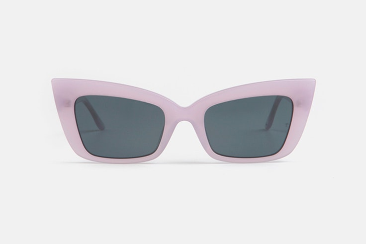 Gafas de sol cat-eye en color lila  multiopticas