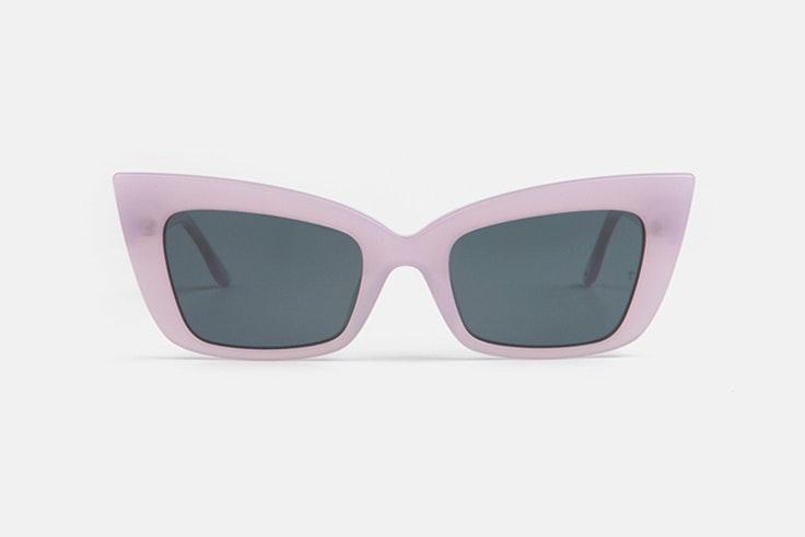 Gafas de sol cat-eye en color lila  multiopticas