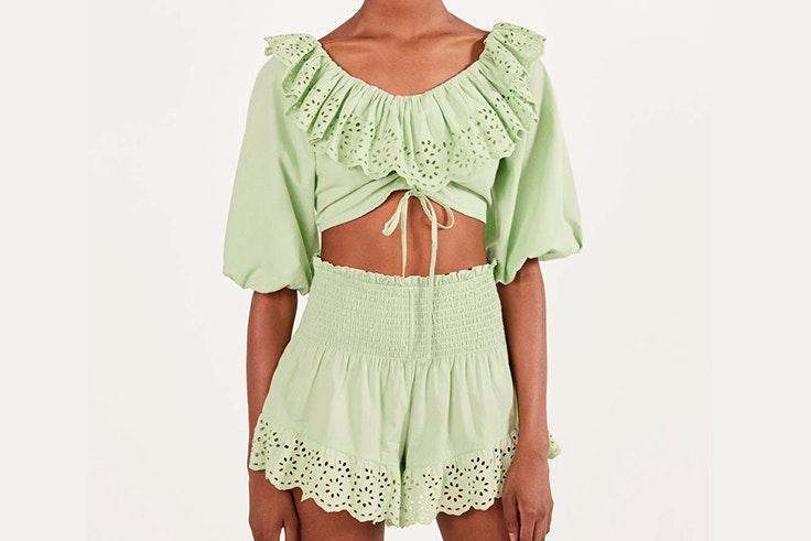 novedades de bershka verano 2020 Conjunto de blusa y pantalón en color verde pastel