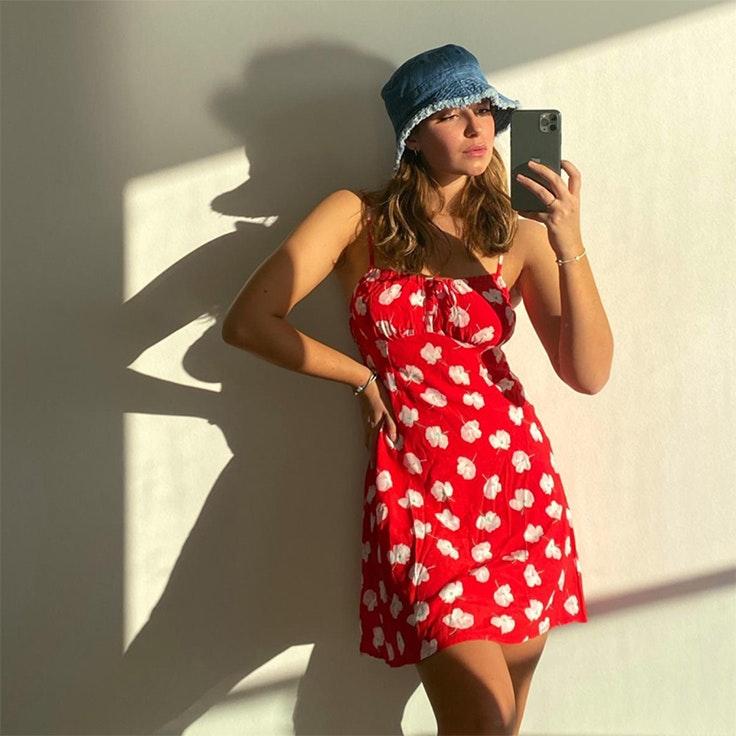 vestidos de pull & bear para verano 2020 benthe liem vestido rojo de flores
