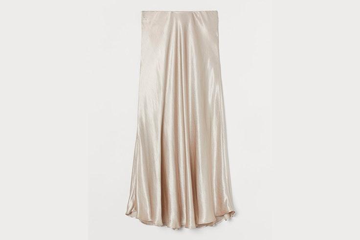 Falda beige satinada de H&M