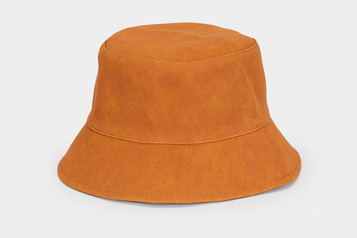 Prendas y accesorios del verano 2020: bucket hat