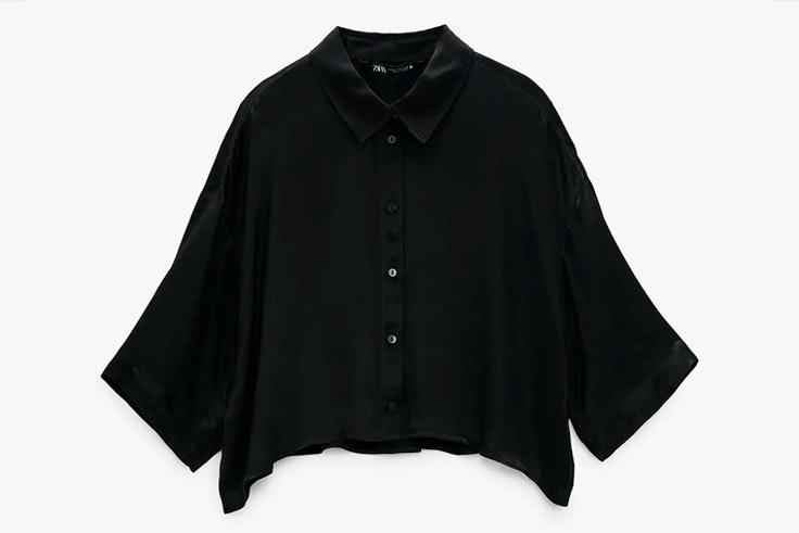 Blusa satinada de Zara