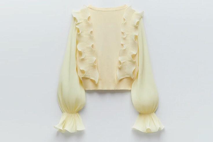Novedades de Zara: top amarillo con volantes