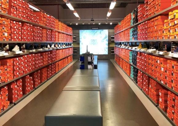 Con qué frecuencia Perspectiva equilibrio  Swoosh Pass en Nike Factory Store Plaza Mayor. ¡Disfruta de unos descuentos  de locura! - Plaza Mayor