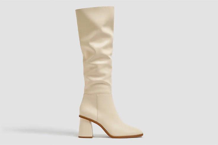 Botas altas en color crema de Pull & Bear